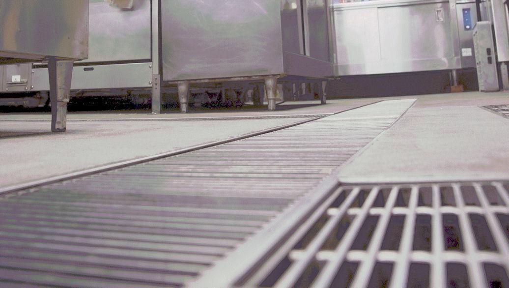 Blocked drain in kitchen (med)